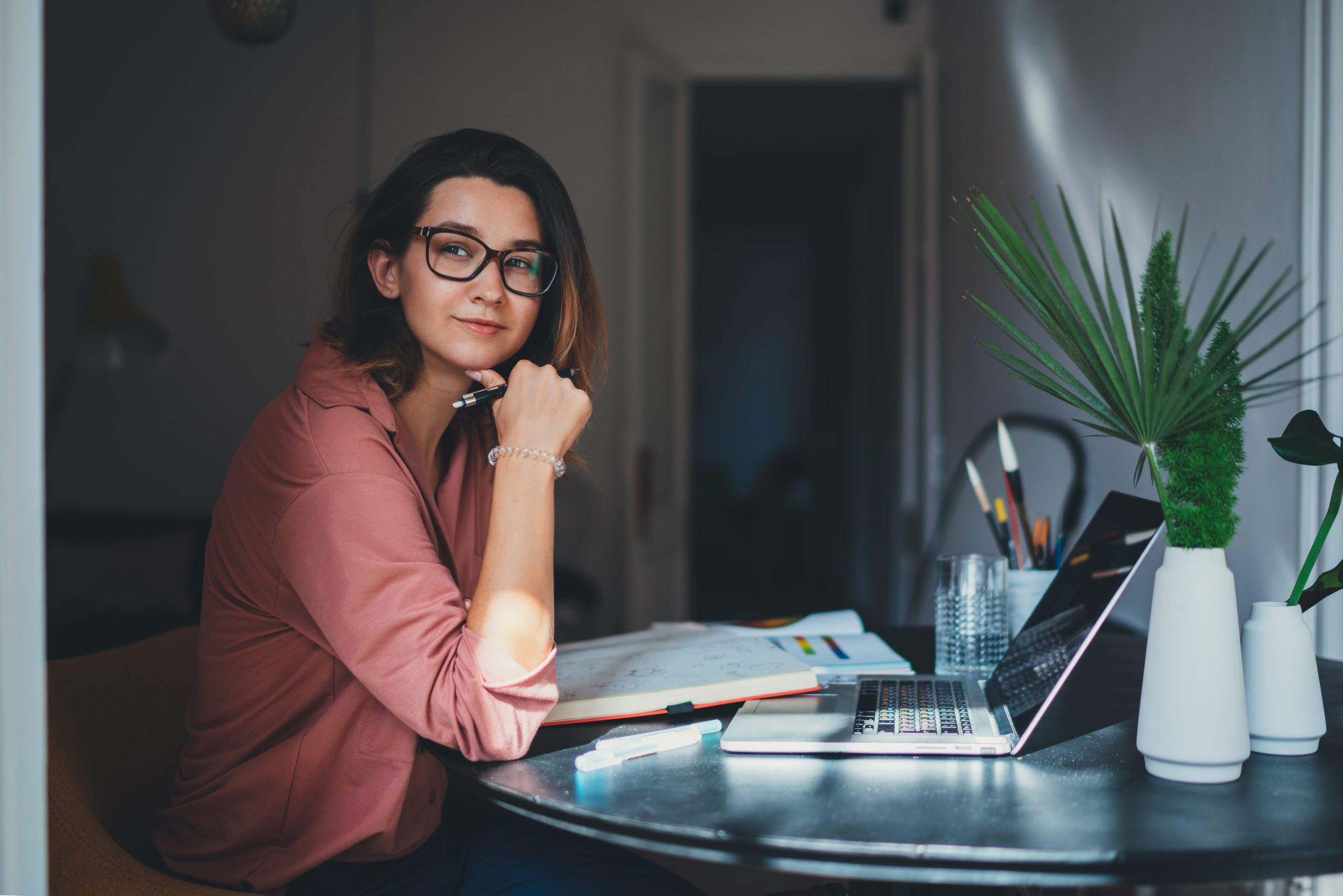 Lady at deskptop - how long does it take to secure a nursing job